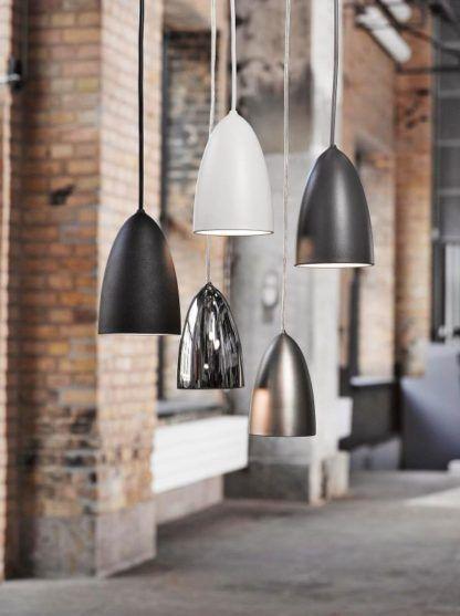 nowoczesne lampy wiszące z kloszami podłużnymi, odcienie szarości