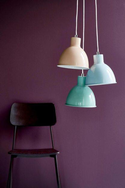 metalowa lampa wisząca pastelowe kolory