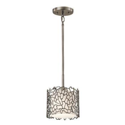 mała lampa wisząca z metalowym kloszem, elegancka