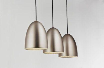 metalowa lampa wisząca w stylu nowoczesnym
