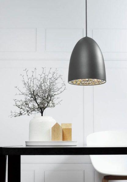 nowoczesna lampa wisząca, szary klosz, styl scandi