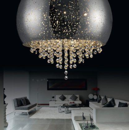 srebrny plafon z kryształkami - aranżacja salon