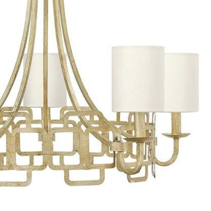 stylowy żyrandol z metalową, geometryczną podstawą i białymi abażurami