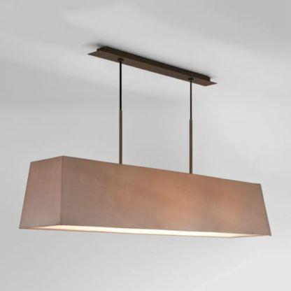 podłużna lampa wisząca nad stół, jasny abażur