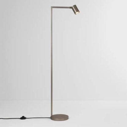wysoka lampa podłogowa, nowoczesna
