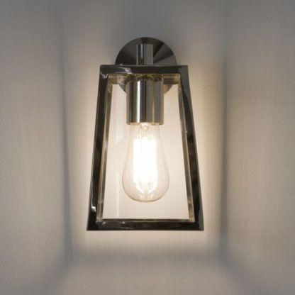 srebrny kinkiet ze szklanymi bokami, klasyczny lampion