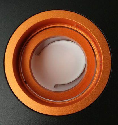 czarne oczko sufitowe pomarańczowe