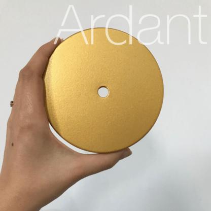złoty ring ledowy do salonu
