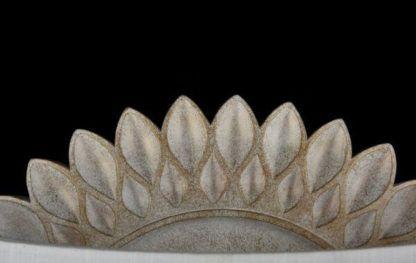 stylowy kinkiet z podstawą w kształcie kwiatu, złoty odcień, biały abażur