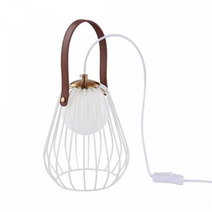 biała lampa stołowa ze szklanym kloszem ukrytym pod drucianymi prętami, skórzany pasek dekoracyjny