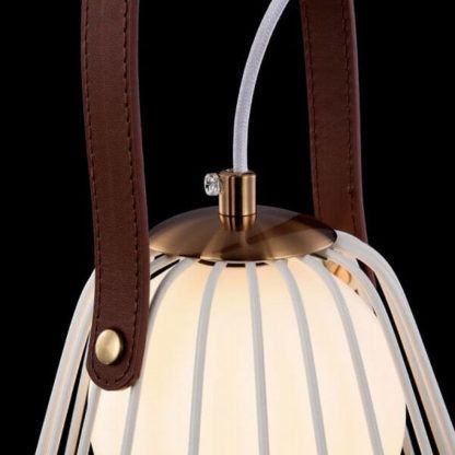 oryginalna lampa stołowa, ażurowy klosz z prętów na skórzanym pasku