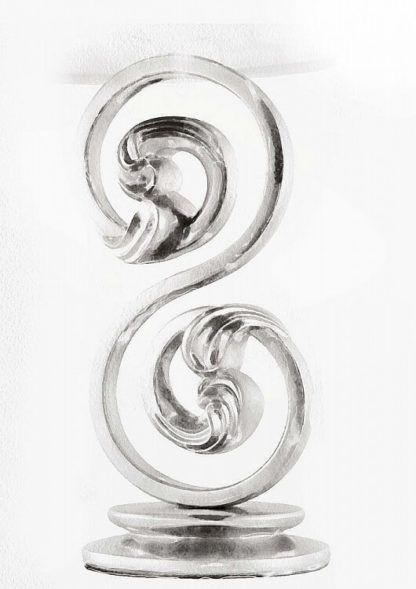 efektowna lampa wisząca z dekoracyjną podstawą w kztałcie zakręconego wężyka