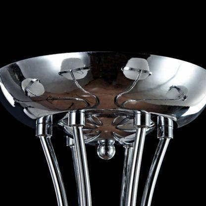 srebrny żyrandol industrialny z białymi kloszami