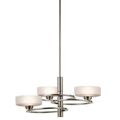 lampa wisząca z mlecznymi, szklanymi kloszami na metalowych okręgach