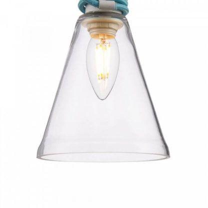 lampa wisząca z transparentnym, szklanym kloszem i kolorowym przewodem
