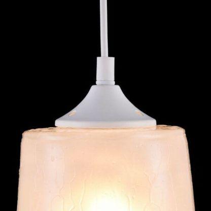 biała lampa wisząca ze szklanym kloszem z efektem deszczu