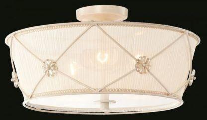 klasyczny plafon w stylu shabby chic, prowansalskim, vintage