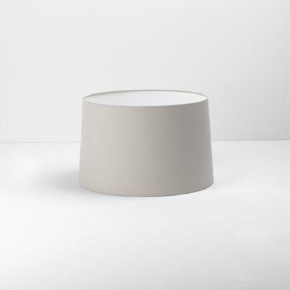 beżowy abażur do lampy stołowej
