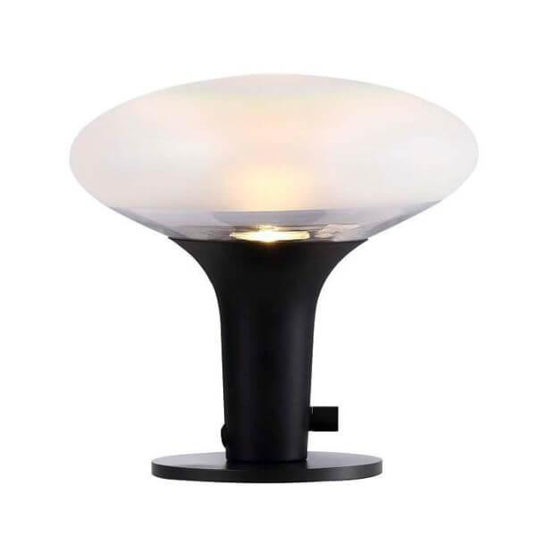 nowoczesna, minimalistyczna lampa stołowa z kloszem z mlecznego szkła