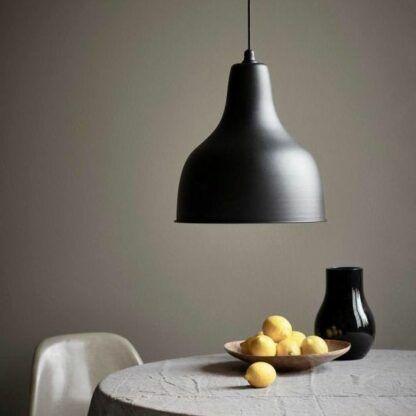 metalowa lampa wisząca styl nowoczesny - aranżacja jadalnia