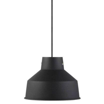 metalowa lampa wisząca z otwartym kloszem