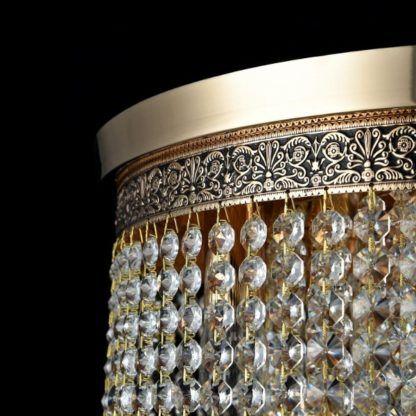 klasyczny żyrandol precyzyjne zdobienia, kryształy
