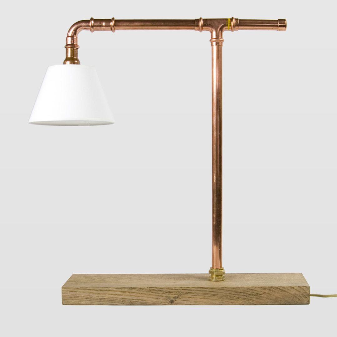 lampa stołowa z miedzianych rurek, industrial