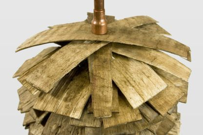 lampa podłogowa z drewnianych listewek, industrialna, kolonialna