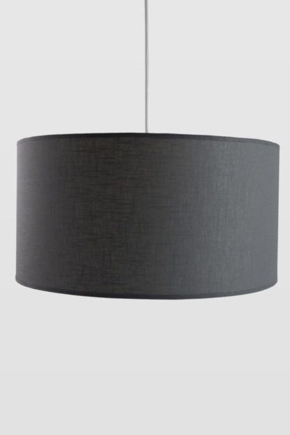lampa wisząca z szarym abażurem, scandi