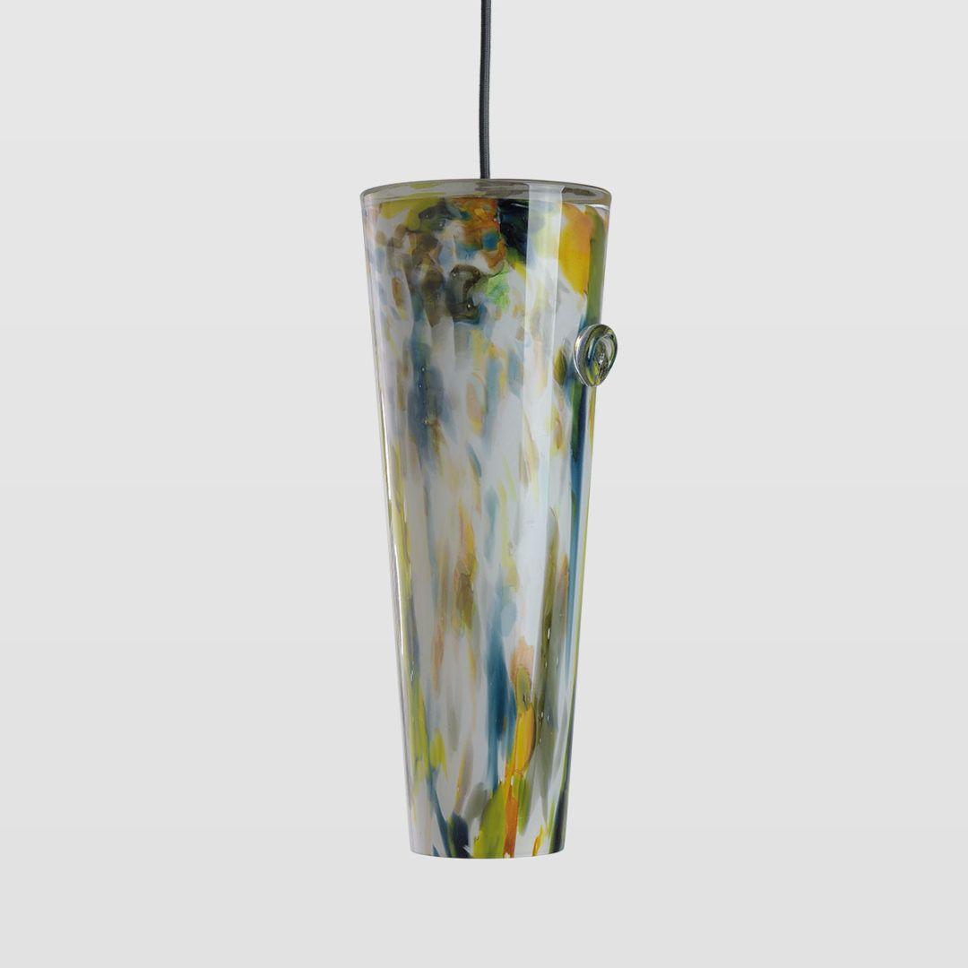 lampa wisząca z barwionego szkła - aranżacja nowoczesna, industrial