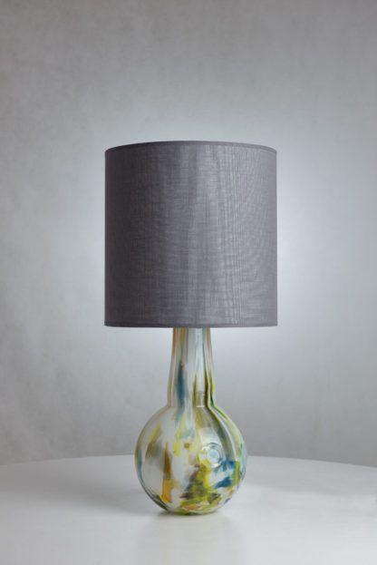 szklana lampa stołowa, szary abażur