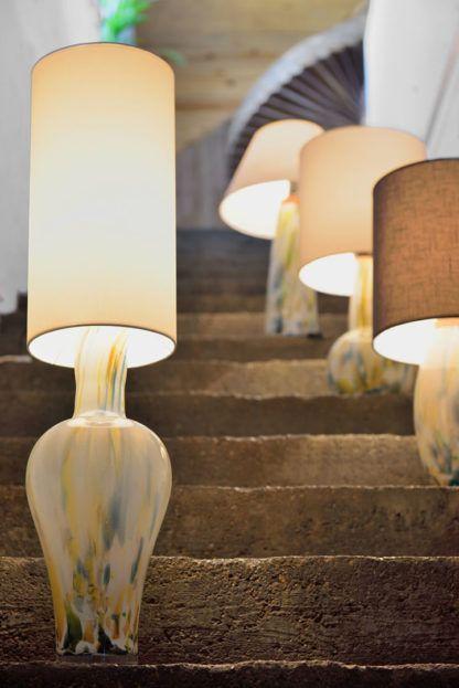 lampa stołowa z kolorowego szkła, podłużny abażur