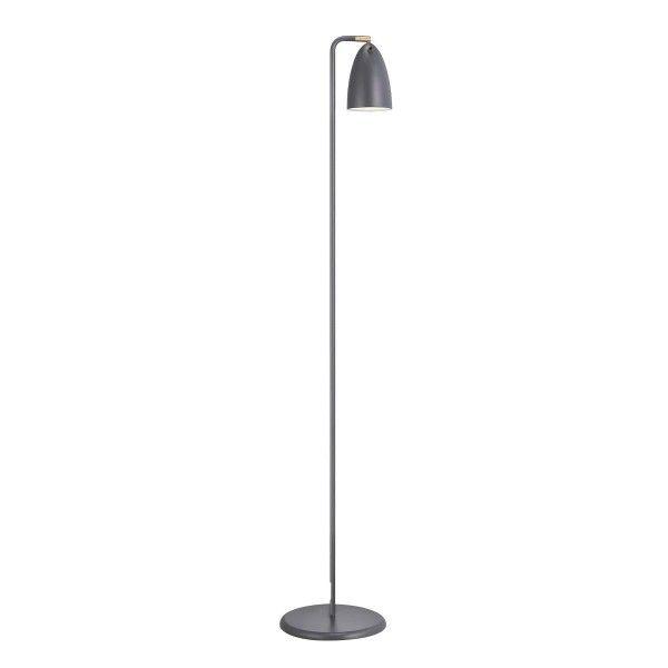 wysoka lampa podłogowa w stylu nowoczesnym, klosz skierowany w doł - aranżacja