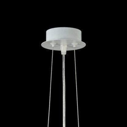 lampa wisząca z białą podsufitką