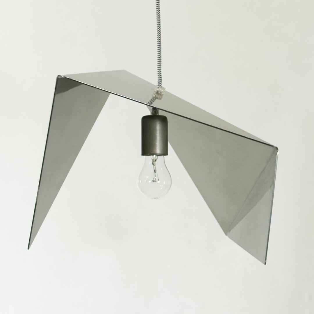 srebrna, metalowa lampa wisząca, origami