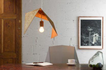 industrialna lampa wisząca z rdzawym efektem - aranżacja jadalnia industrial
