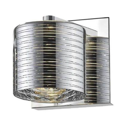 srebrny kinkiet w stylu nowoczesnym, dekoracyjne prążki na kloszu