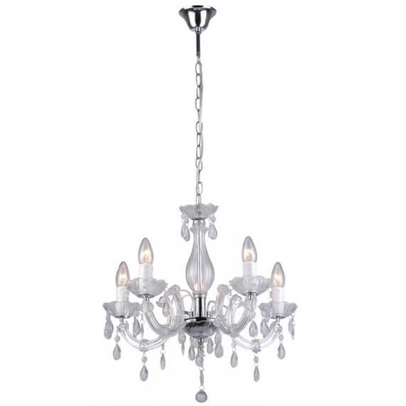 biały, szklany żyrandol ozdobiony kryształkami, styl glamour