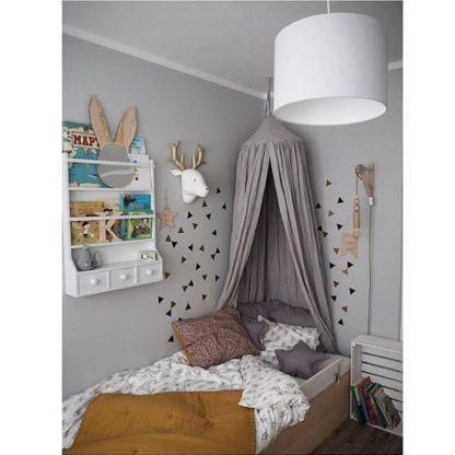 biała lampa z abażurem pokój dziecięcy