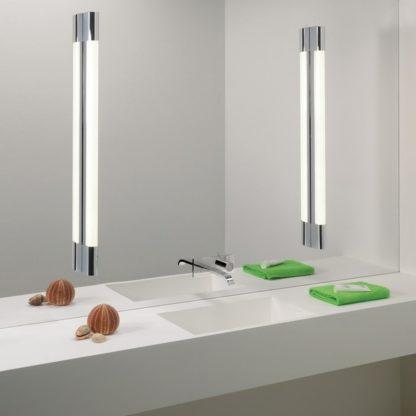 2 kinkiety Palermo 900 - w łazience na lustrze