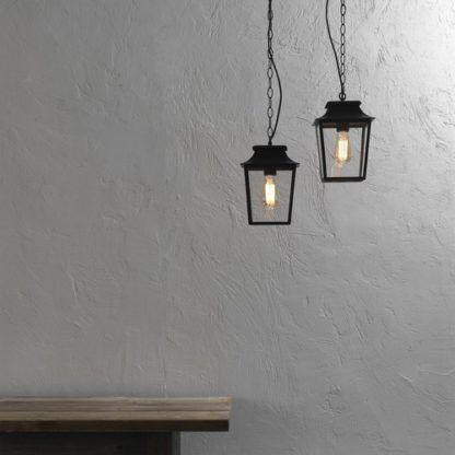 lampa wisząca, klosz szklana latarnia w czarnej oprawie, klasyczny