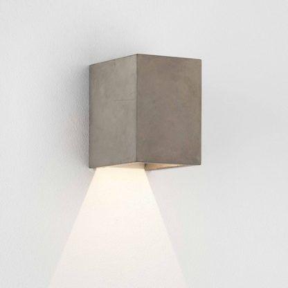 prostokątny kinkiet na elewację, wykończenie betonowe, nowoczesny