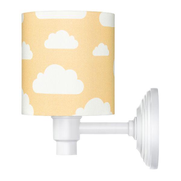 musztardowa lampa w chmurki dziecięca aranżacja