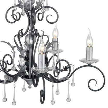 srebrny żyrandol w stylu klasycznym, luksusowy