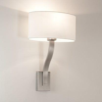 lampa ścienna Sofia wall matowe srebro - biały abażur