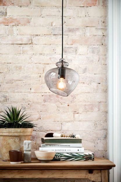 szara lampa wisząca szklana