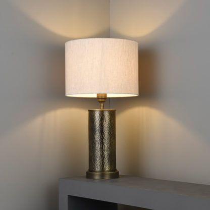 lampa stołowa z metalową podstawą złoto brąz