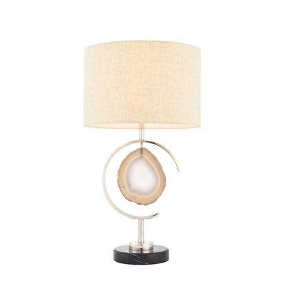 lampa stołowa z kawałkiem agatu