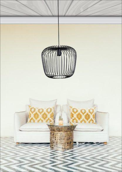 czarna, druciana lampa wisząca - aranżacja salon