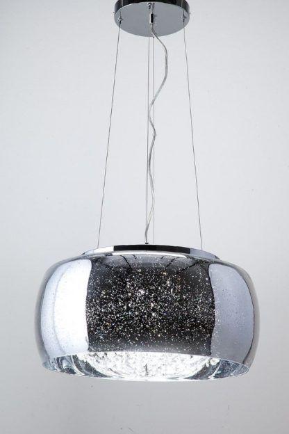 efektowna lampa wisząca ze srebrnym kloszem i kryształkami